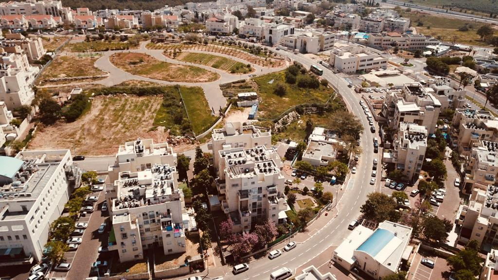 מיקום הפרוייקט במרכז העיר אלעד, ממעוף הציפור (צילום באדיבות כיכר אלעד)