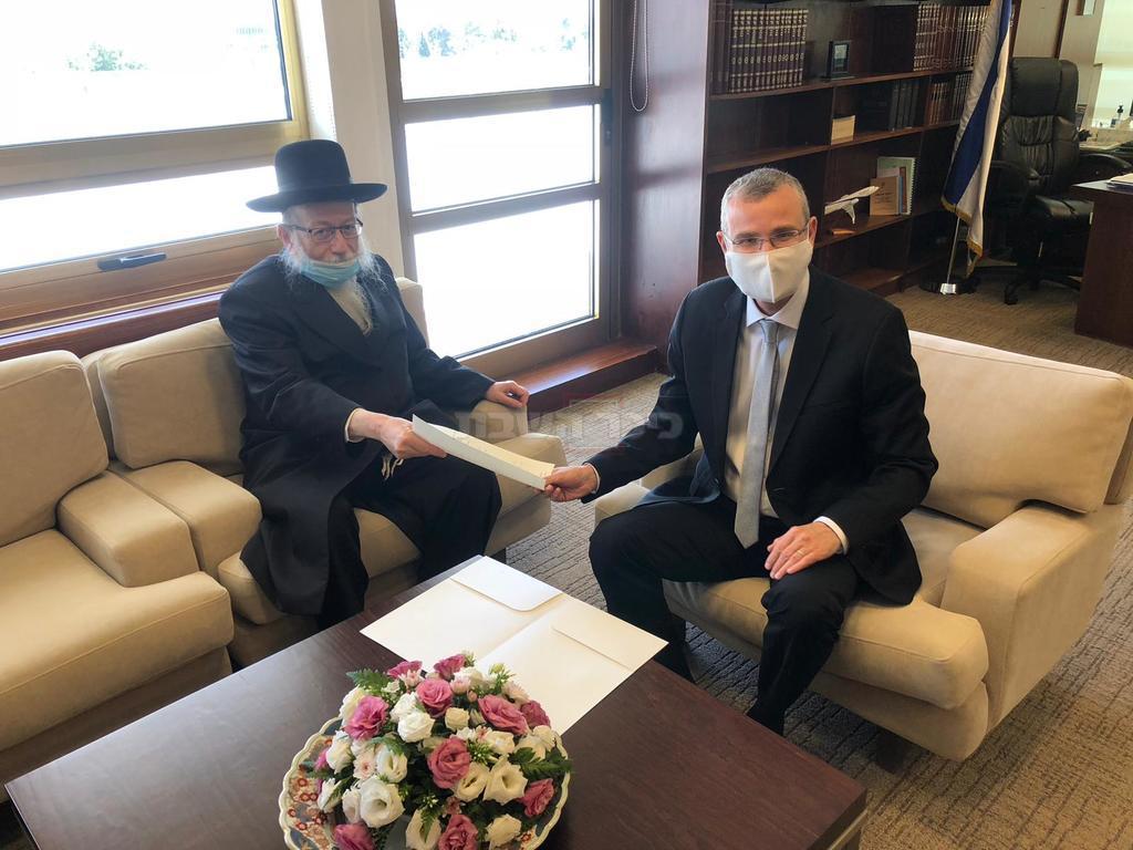 ליצמן מגיש את התפטרותו מהכנסת