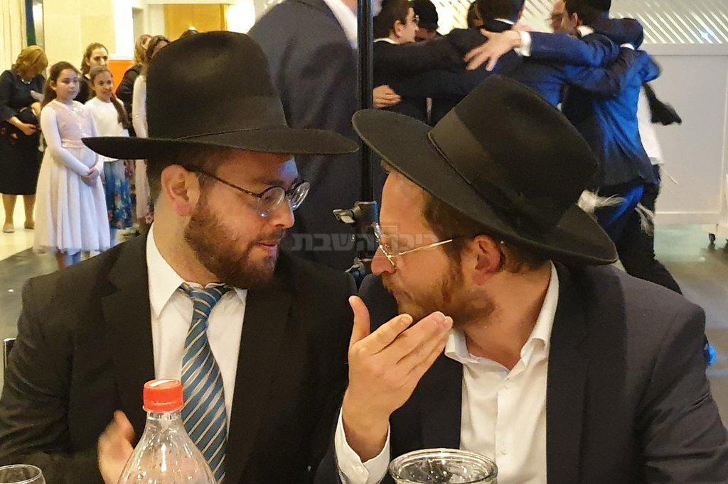 דודי בלומנשטוק משמאל, עם דוד זהר (צילום: מתוך הטוויטר של איציק אוחנה)