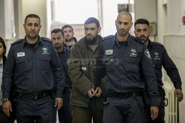 המחבל בבית המשפט, היום (צילום: Yonatan Sindel/Flash90)