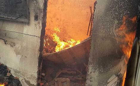 השריפה בזכרון (צילום: כבאות והצלה מחוז חוף)
