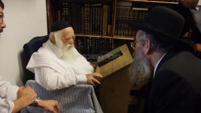 הגאון רבי שמואל מרקוביץ בניחום אצל מרן