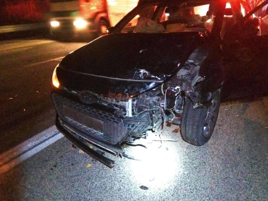 הרכב שפגע בקלנועית (צילום: תיעוד מבצעי מד''א)