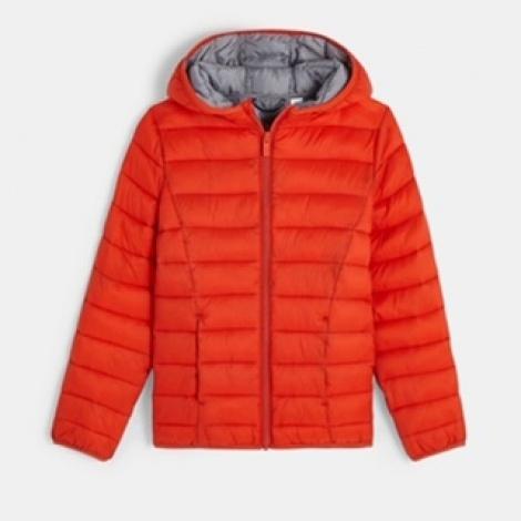 מעיל לבנים, ממותג okaidi  מחיר מדבקה – 169.90 ₪ לאחר הנחה- 101.92 ₪  המעיל נגד מים, הריפוד מפוליאסטר ממוחזר