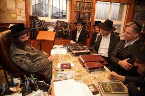 """אצל הרה""""ג רבי משה ברנסדורפר שליט""""א, גאב""""ד 'היכל הוראה בשכונת בית ישראל"""