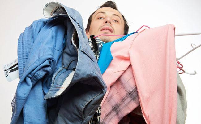 יותר מ-40 אחוז מהגברים ממחזרים בגדים מסל הכביסה (צילום: shutterstock)