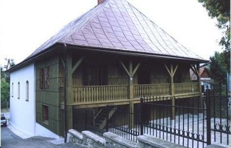 בית הכנסת בעיר בובוב גליציה פולין Synagoga_Bobowa