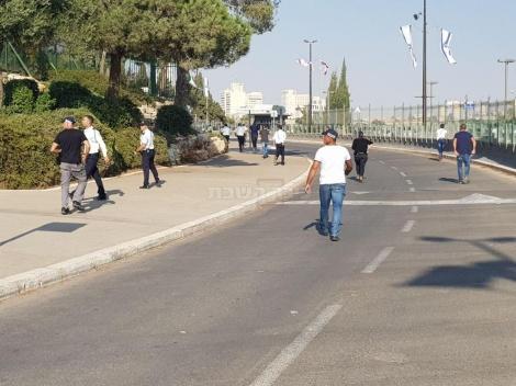 ההפגנה בשערי הכנסת