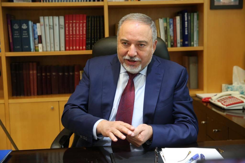 השר ליברמן בראיון ל''כיכר השבת'', היום
