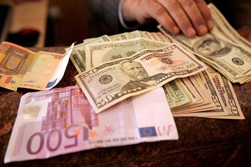 הליטאים והחסידים נותנים 2,000 דולר לשדכן (צילום: Abed Rahim Khatib / Flash 90)