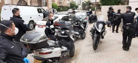 השוטרים בבוהוש (צילום: אדיר מעטו)