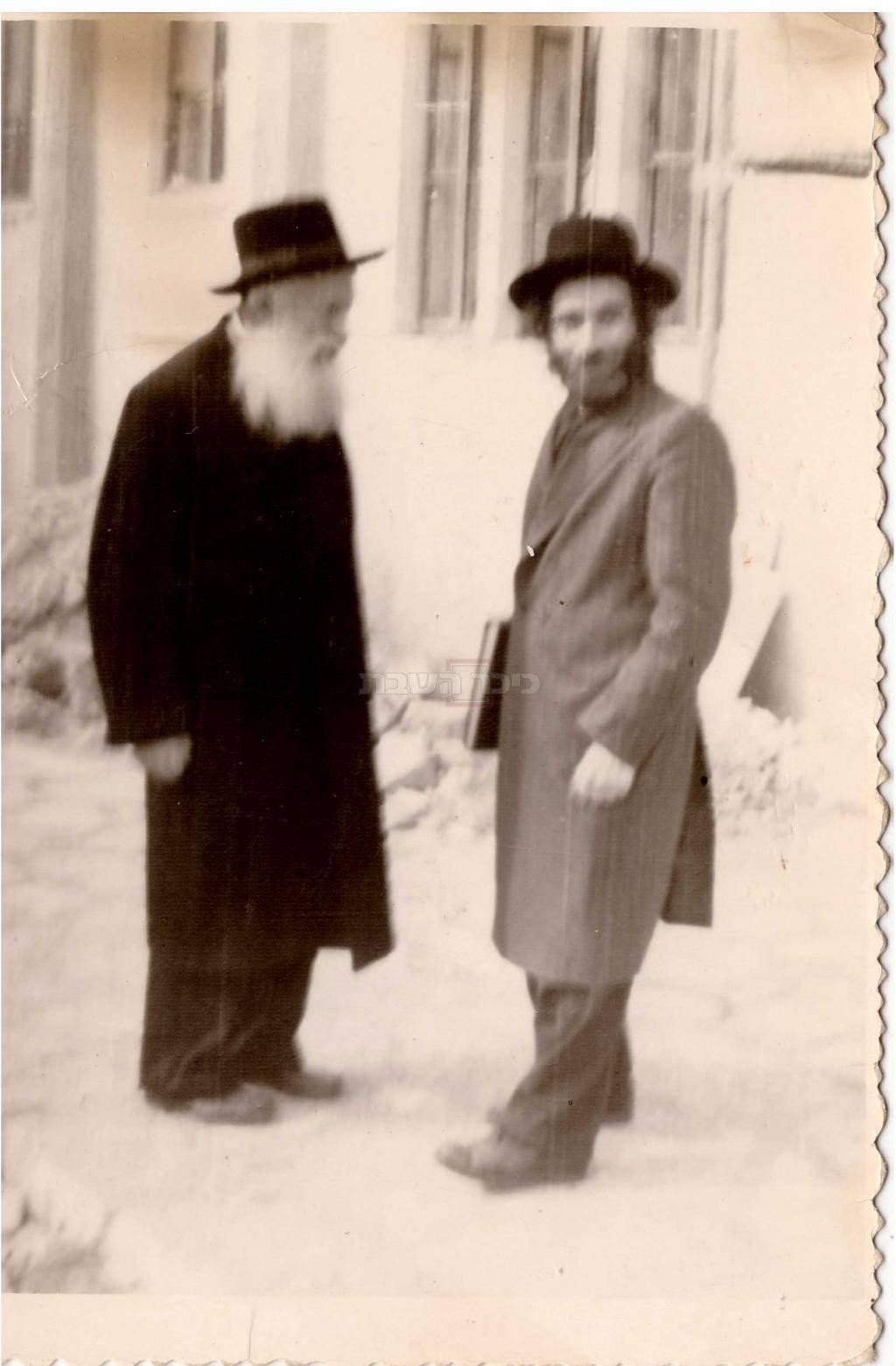 מרן הרב שטיינמן עם מרן הרב מפוניבז' זצ''ל