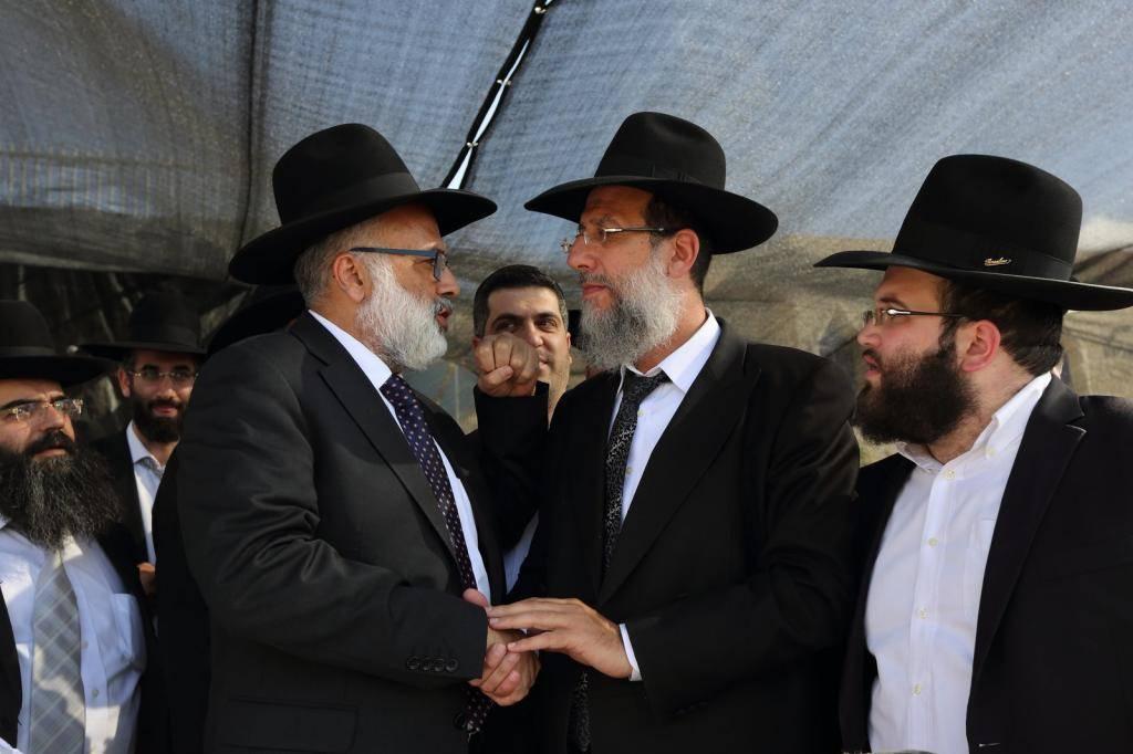 אייל משיח עם הרב יעקב כהן (צילום: יעקב נחומי)