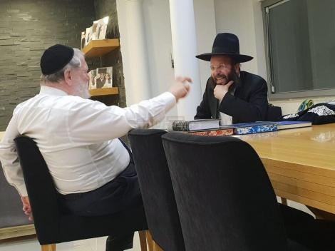 הרב מאירוביץ אצל לייבל וולדמן
