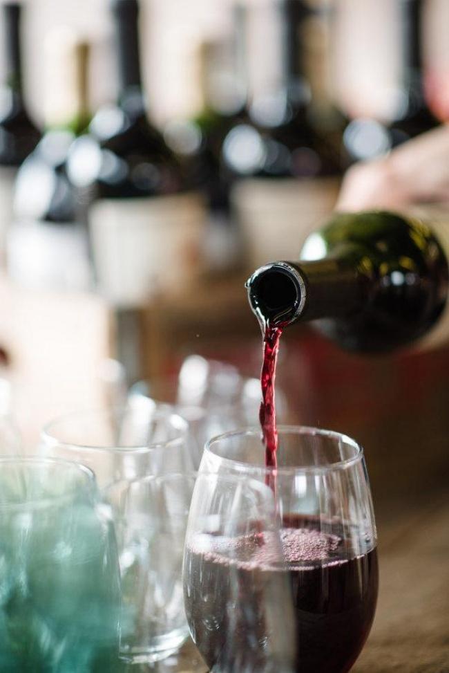 11 יינות סירה מומלצים לחג מ-35 עד 180 שקלים