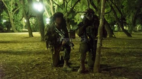 """לוחם ביחידה מיוחדת בצה""""ל (צילום: דובר צה""""ל)"""