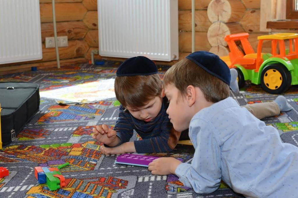 ילדים ב'חיידר' החדש באנטבקה (צילום: יוסי בלשניקוב)