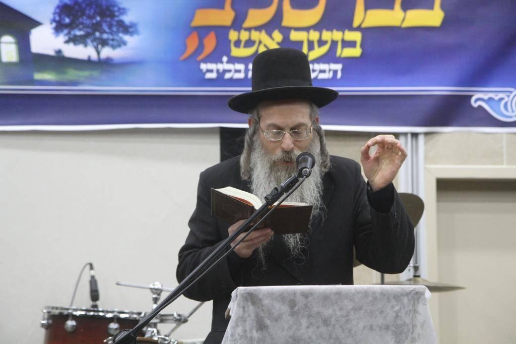 הרב גודלבסקי. ספג איומים באמצע התפילה (צילום: יעקב לדרמן)