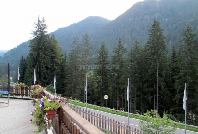 קנזיי אלבה, הנוף מהמלון
