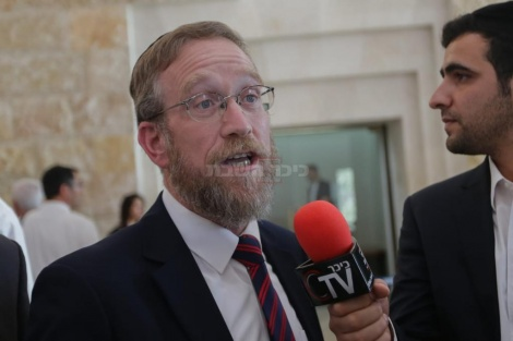 פינדרוס בראיון לשידור החי ב'כיכר השבת' (צילום: חיים גולדברג, כיכר השבת)
