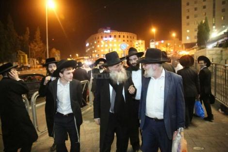 הרב בן ציון בורודיאנסקי, בהפגנה בירושלים (צילום: חיים גולדברג)