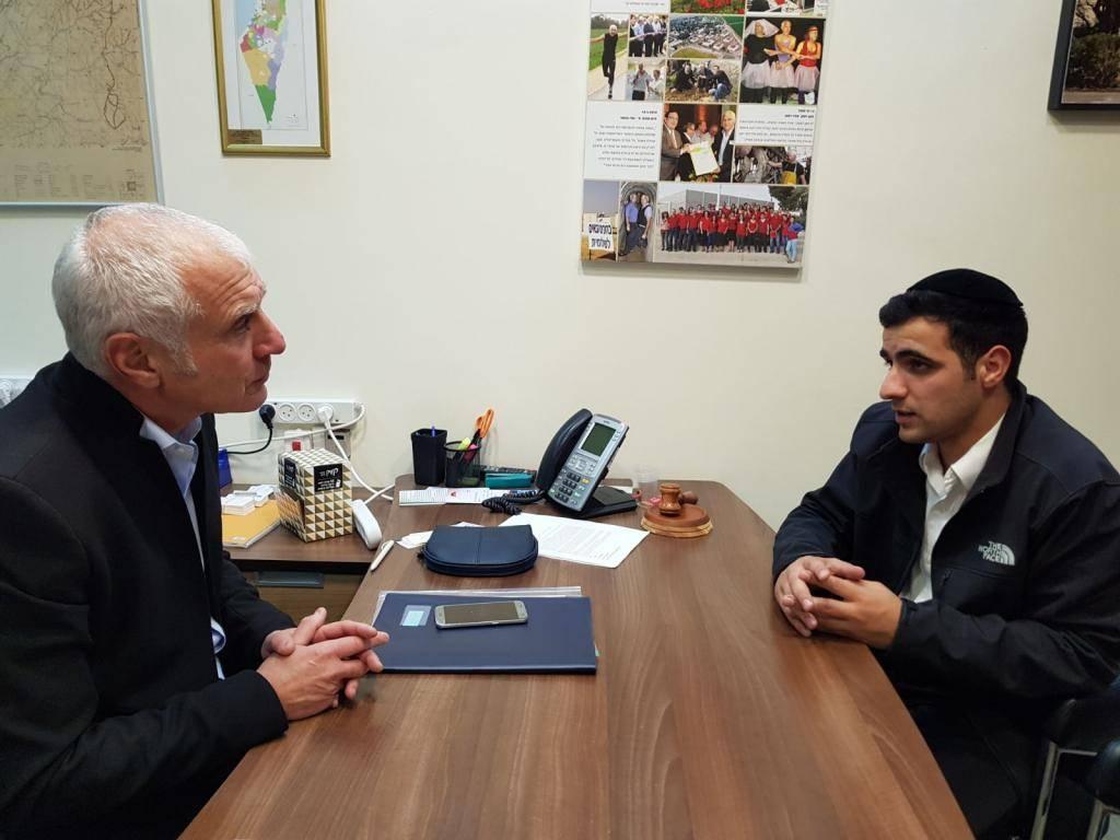 ח''כ חיים ילין בראיון לכתב ''כיכר השבת'' ישי כהן