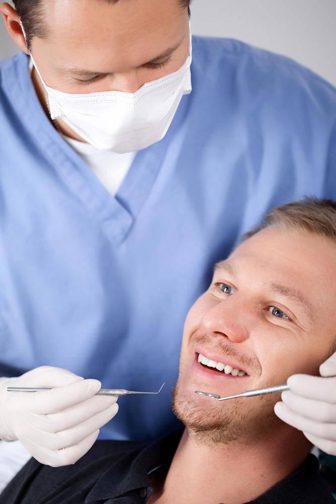 הלבנת שיניים ביתית, רק עם התאמה אצל רופא שיניים! אילוסטרציה. צילום: שאטרסטוק
