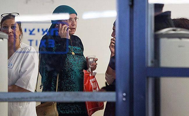 אורית סטרוק בבית החולים, היום (צילום: יונתן זינדל, פלאש 90)