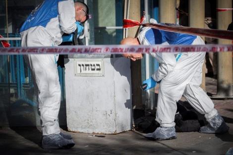 זירת הפיגוע בתחנה המרכזית בירושלים (צילום: יונתן זינדל,  פלאש 90)