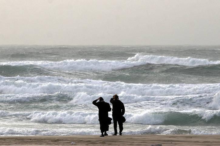 האם שעות הצהריים בחוף צריכות להיות סיוט? אילוסטרציה. צילום: צילום:  Edi Israel/Flash 90