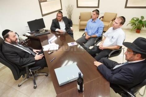 בלשכתו של ראש עיריית מודיעין עילית, הרב יעקב גוטרמן