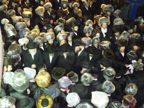 מסע הלוויה בנתניה (צילום: א.פ.)