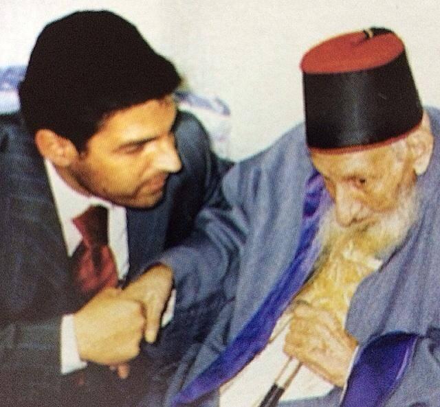 חסידים לצד זקן המקבלים