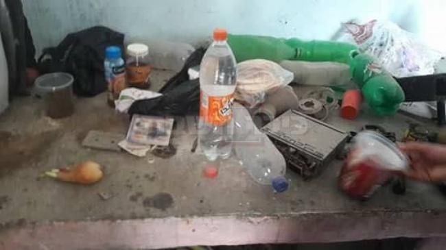 המזון במבנה בו הסתתר (צילום: شبكة قدس الإخبارية, מתוך טוויטר)