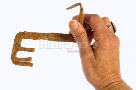 המפתח בן אלפיים שנים. צילום:  קלרה עמית, באדיבות רשות העתיקות