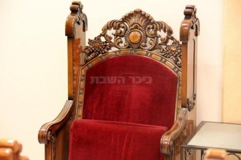 כסאו של מרן בבית הכנסת