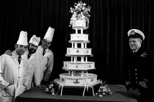 העוגה של הנסיך צ'ארלס והליידי דיאנה (הוריו של הנסיך הארי) - 1981