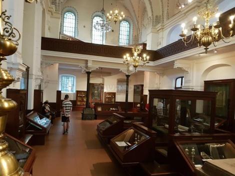 פנים בית הכנסת היהודי האשכנזי