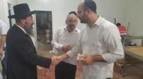 צפו: שירה וריקודים לכבוד הרב יעקב אמסלם