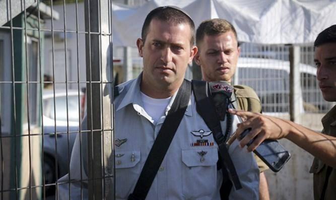 סא''ל דוד שפירא בכניסה לבית הדין (צילום: מוטי קמחי, ynet)