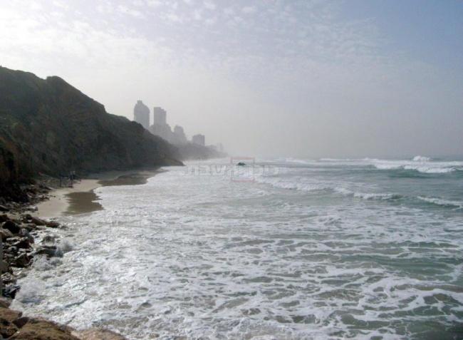 נתניה, חוף בלו ביי