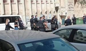 צפו: המשטרה פשטה על קרית סערט ויז'ניץ