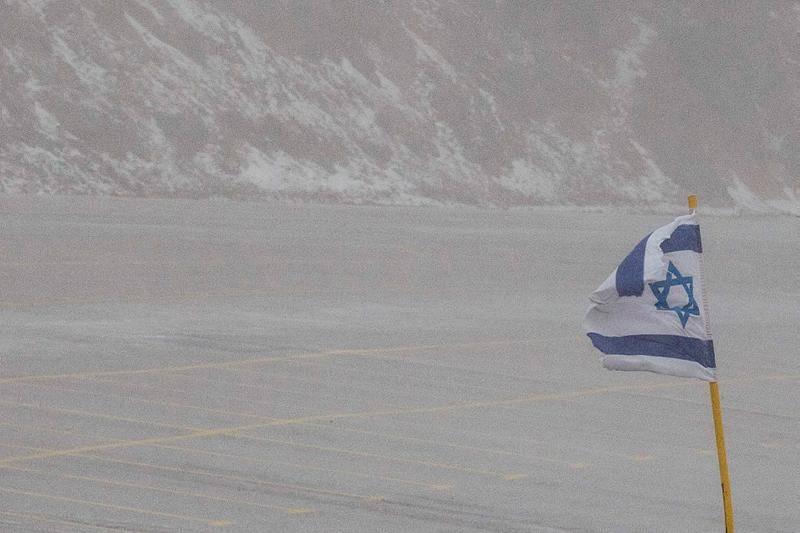 שלג בחרמון (צילום: Basel Awidat/Flash90)