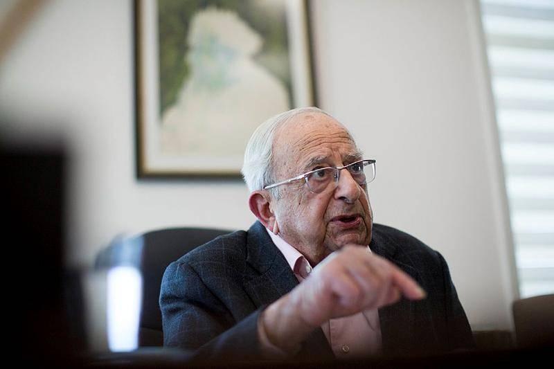 ניסה לקבוע פגישה עם הרב מבריסק. יצחק נבון (צילום: יונתן זינדל, פלאש 90)