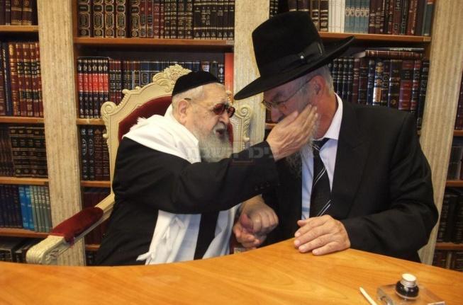 """עם מרן הגר""""ע יוסף זצ""""ל"""