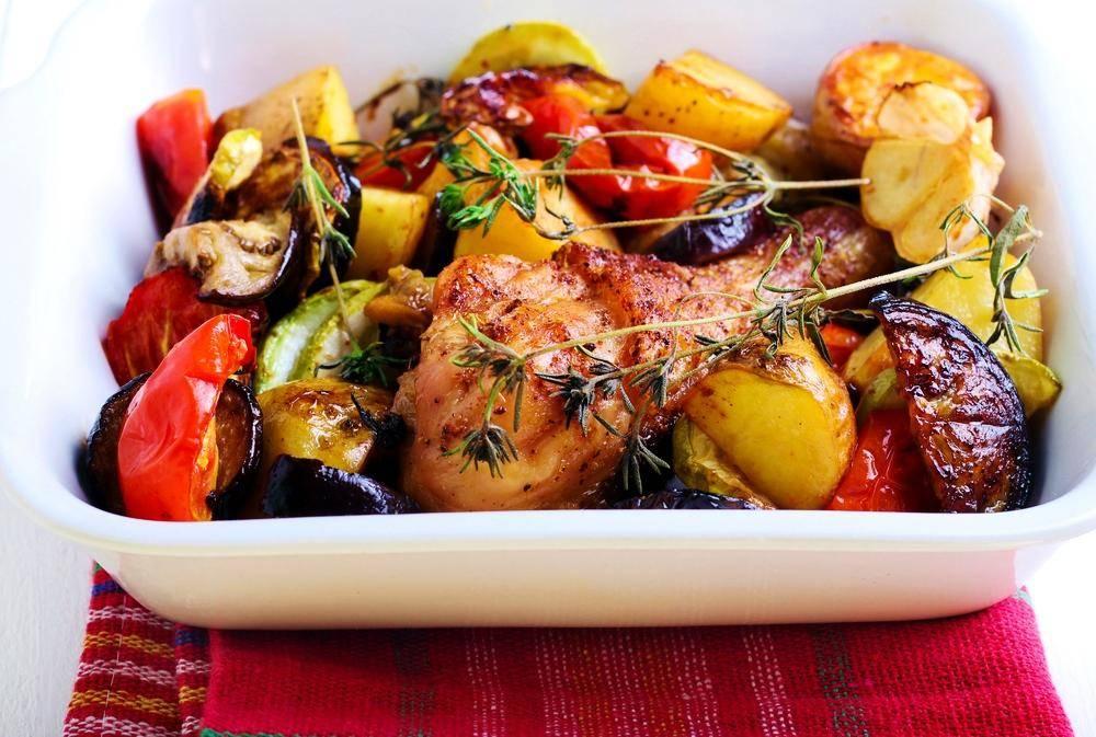 חגיגה צבעונית של ירקות בתנור  (צילום: shutterstock)