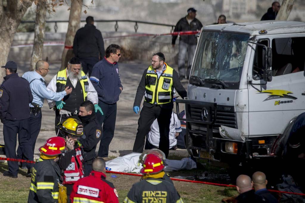 זירת הפיגוע הרצחני בארמון הנציב (יונתן זינדל, פלאש 90)