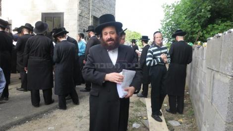 אחרי התפילה בציון האדמו''ר מסאטמר(צילום: מערכת בחצרות)