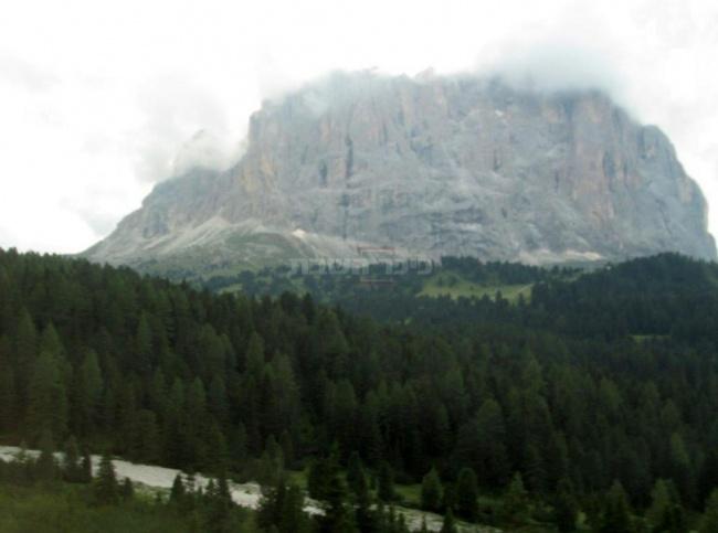 הר סאסולונגו,בדרך מעמק גרדנה לפאסו סלה