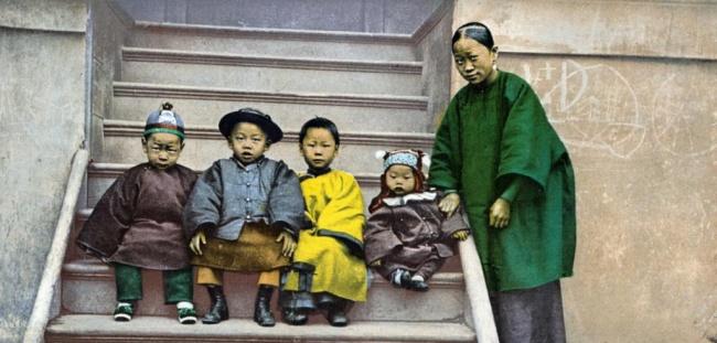 משפחה סינית שהיגרה לאמריקה